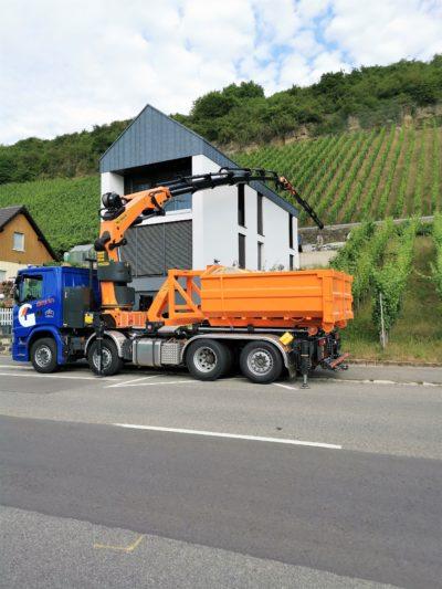 Toitures Gregorius, Dachdecker, couvreur, Luxembourg, Mosel, Kran, Lkw, grue, camion, Palfinger, manutention, Kranarbeiten, Scania, 53002